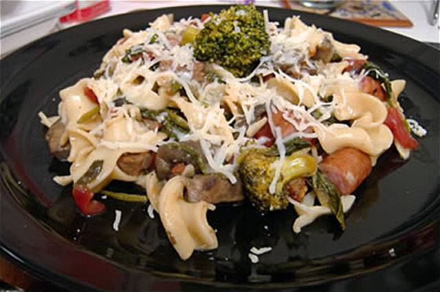 Smoky Sausage Ragout with Spinach, Broccoli and Egg Noodles