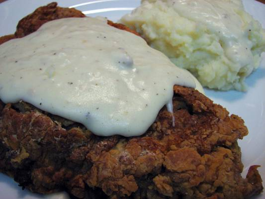 Restaurant Style Southern White Gravy, Perfect for Chicken Fried Steak and mashed potatoes!