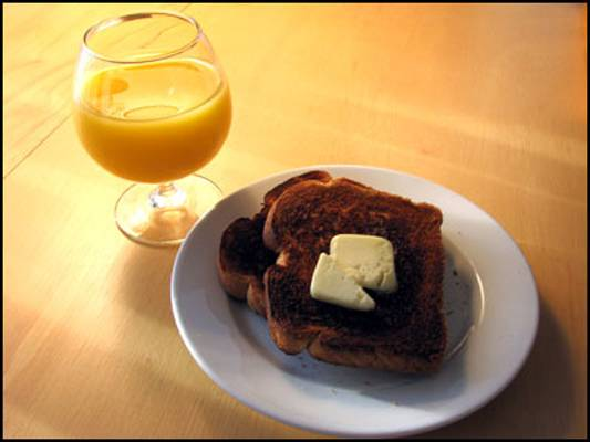 burned-toast-and-orange-jui