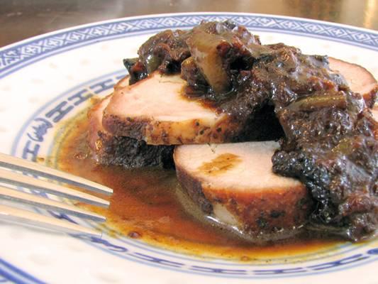 apple-bourbon-glazed-pork-roast