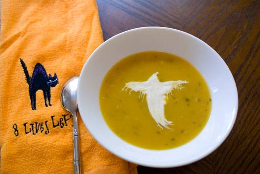 Butternut Squash Soup with Curried Sour Cream Ghosts – A Halloween Joint