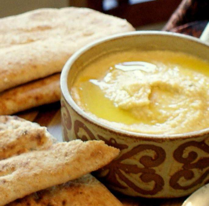 Turkish Style Hummus (Humus) – A delightfully creamy, light hummus