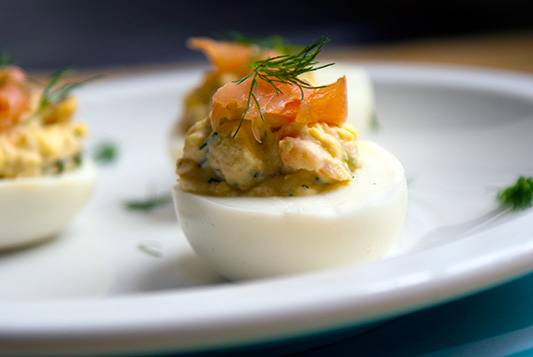 smoked-salmon-deviled-eggs-02
