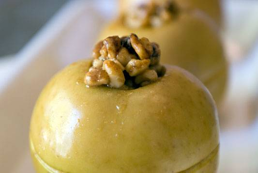 Honey-Walnut-Baked-Apples-02