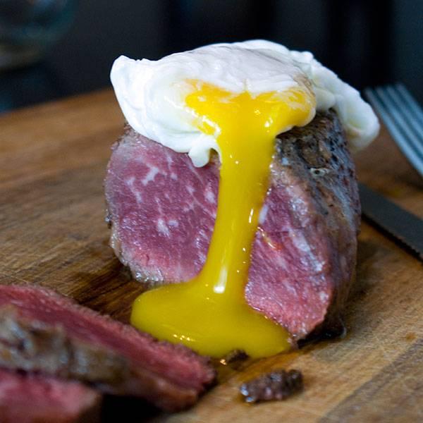 Filet Mignon with Poached Egg – The Perfect Filet Mignon Recipe
