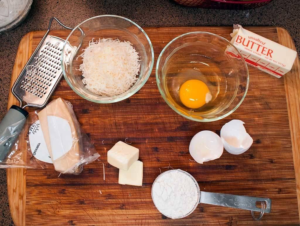 Ingredients for crispy Parmesan hash browns