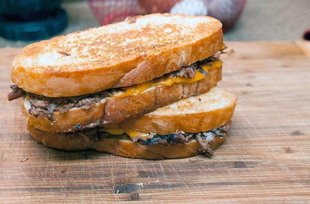 Roast Beef Melt Sandwich – A Beefy, Cheesy, Flavor Explosion