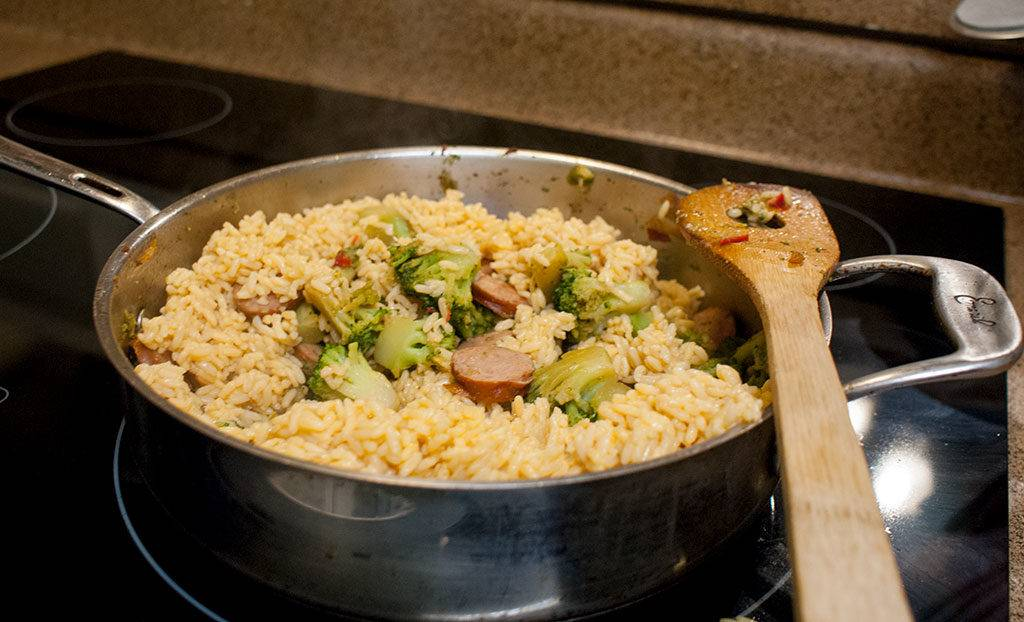 Cheesy Rice with Smoked Sausage & Broccoli @UncleBens #BensBeginners #UncleBensPromo [ad]