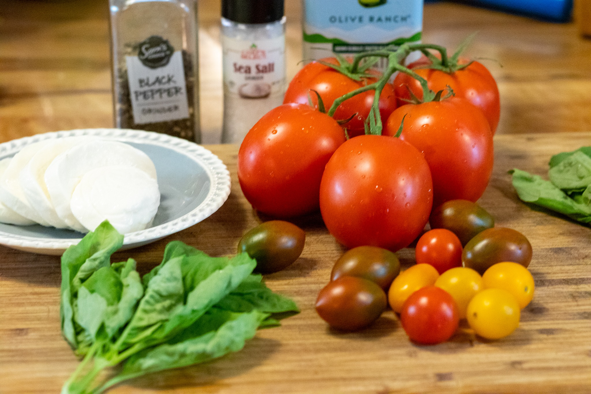 All the components for a perfect Caprese salad.